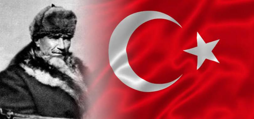 On Dokuz Mayıs 1919, bağımsızlığın ebedi bayrağının göndere çekilmesinin ilk adıdır, silinmez ve görkem kokulu adıdır.